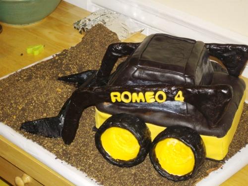 "Romeos ""excavator"" cake"
